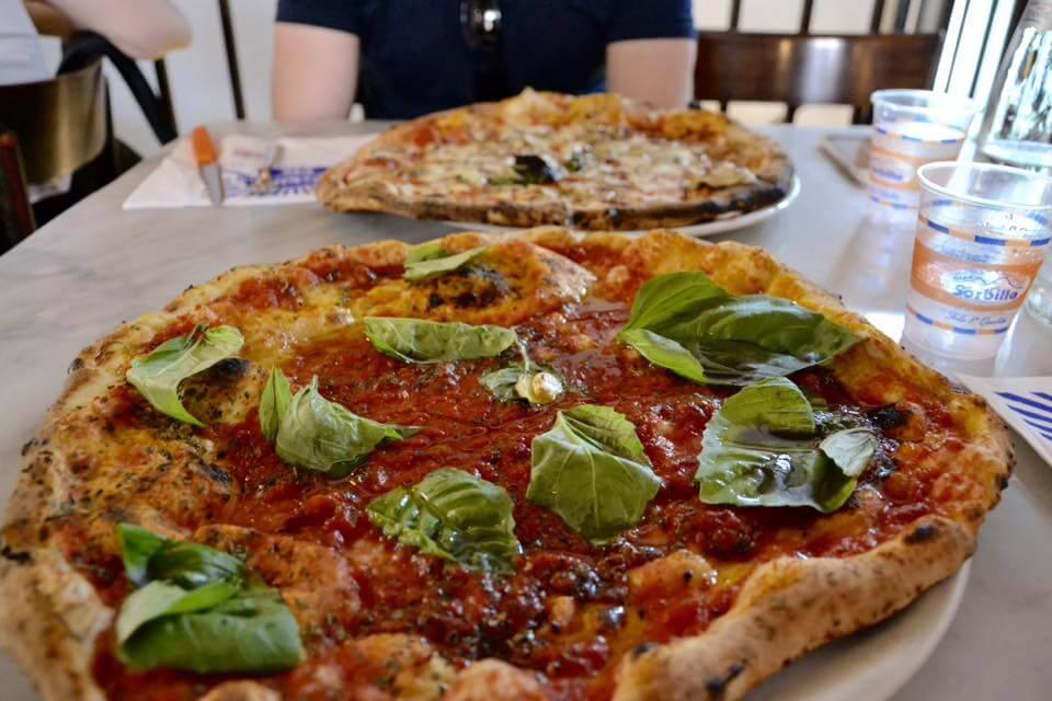 Przewodnik po Neapolu, część 2. Pizzerie w Neapolu, które warto znać | Cinque pizzerie a Napoli che vale la pena conoscere