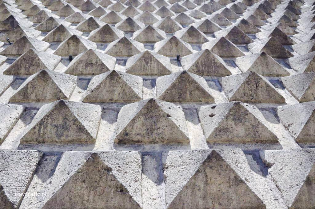 Przewodnik po Neapolu, część 5. Kościół Gesù Nuovo i klasztor św. Klary | Chiesa del Gesù Nuovo e il Monastero di Santa Chiara