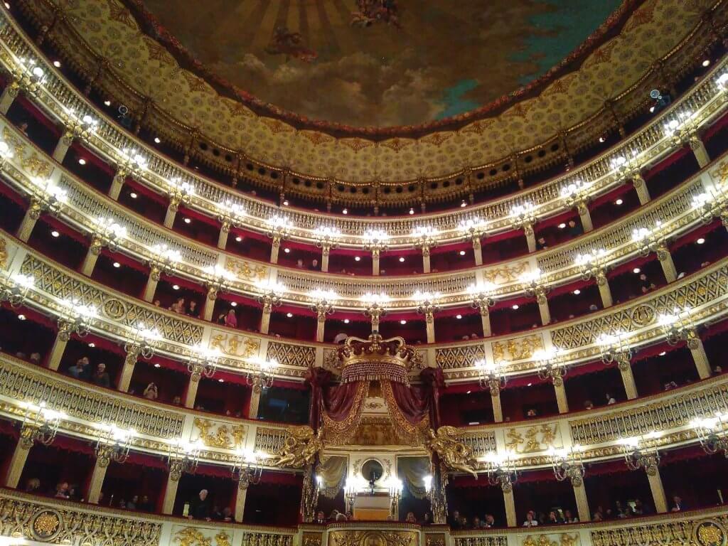 Teatr San Carlo w Neapolu
