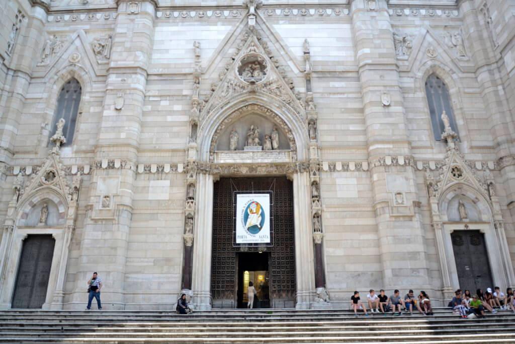 Neapol katedra