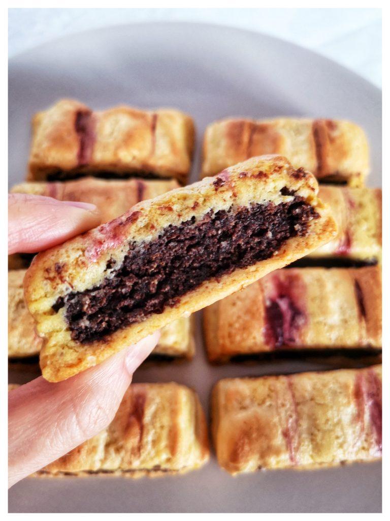 neapolitańskie ciastka biscotti all'amarena